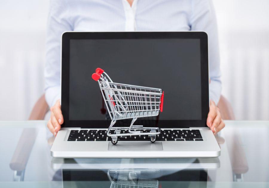 zmiana ustawy konsumenci Black Friday, Cyber Monday...sprawdź jak nie stać się ofiarą internetowych oszustów