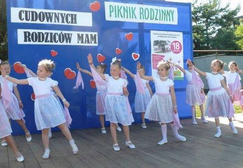 Piknik Jedynka dzieci II Piknik Rodzinny w Publicznej Szkole Podstawowej Nr 1