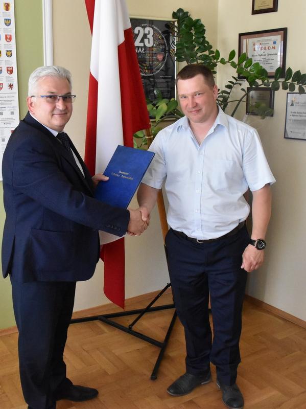 DSC 0819 Podpisanie umowy na budowę drogi od ul. Sucharskiego w Dąbrowie Tarnowskiej