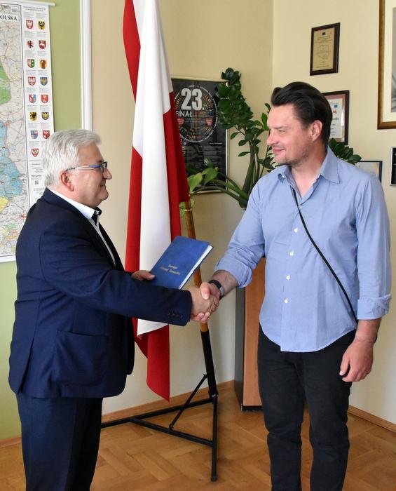 DSC 0891 Podpisanie umowy na budowę przepustu na potoku Breńka