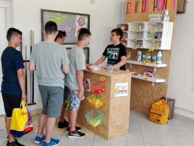 12 Niemiecki sklepik w Publicznej Szkole Podstawowej Nr 2 w Dąbrowie Tarnowskiej
