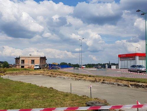 IMG 20180615 WA0005 Budowa drogi bocznej od ulicy Sucharskiego w Dąbrowie Tarnowskiej