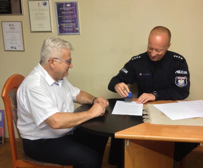IMG 4495 Przekazanie darowizny dla Komendy Powiatowej Policji na zakup klimatyzatorów