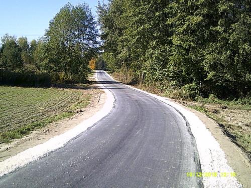 DSCF0003 Nowa nawierzchnia asfaltowa na części drogi w Morzychnie