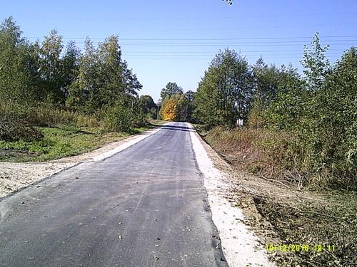 DSCF0004 Nowa nawierzchnia asfaltowa na części drogi w Morzychnie