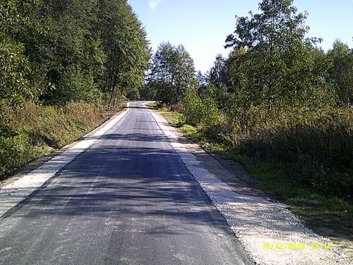 DSCF0006 Nowa nawierzchnia asfaltowa na części drogi w Morzychnie