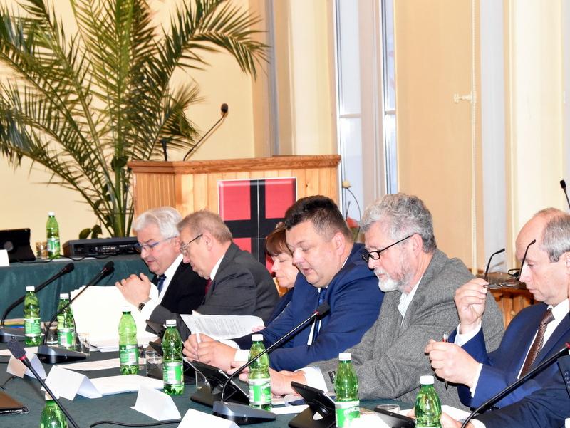DSC 0506 Nadzwyczajna sesja Rady Miejskiej w Dąbrowie Tarnowskiej