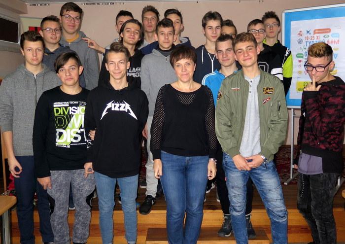 IMG 90000 Warsztaty w ramach Tygodnia Edukacji Globalnej w Miejskiej Bibliotece Publicznej w Dąbrowie Tarnowskiej