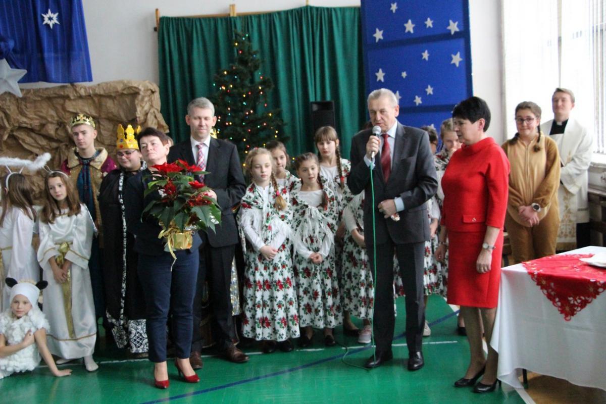 IMG 2685 Świąteczne akademie w szkołach naszej gminy