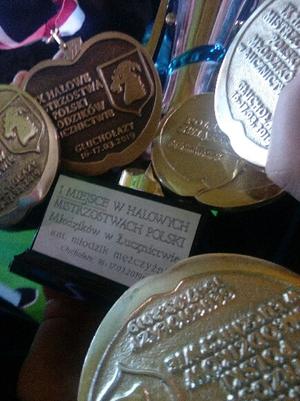 MLKS DĄBROWIA Halowe Mistrzostwa Polski Młodzików w Głuchołazach 2019 3 Łucznicy Dąbrovii ze złotym medalem w drużynie Halowe Mistrzostwa Polski Młodzików w Głuchołazach