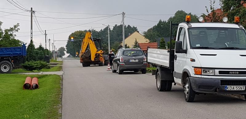 20190821 083609 Gmina Dąbrowa Tarnowska zapewniła współfinansowanie chodników przy drogach powiatowych