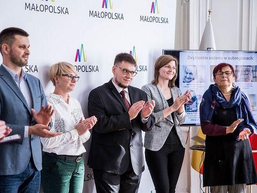 GJ311019 025 Wygrana projektu MBP Dąbrowski Festiwal Słowa w Budżecie Obywatelskim Województwa Małopolskiego