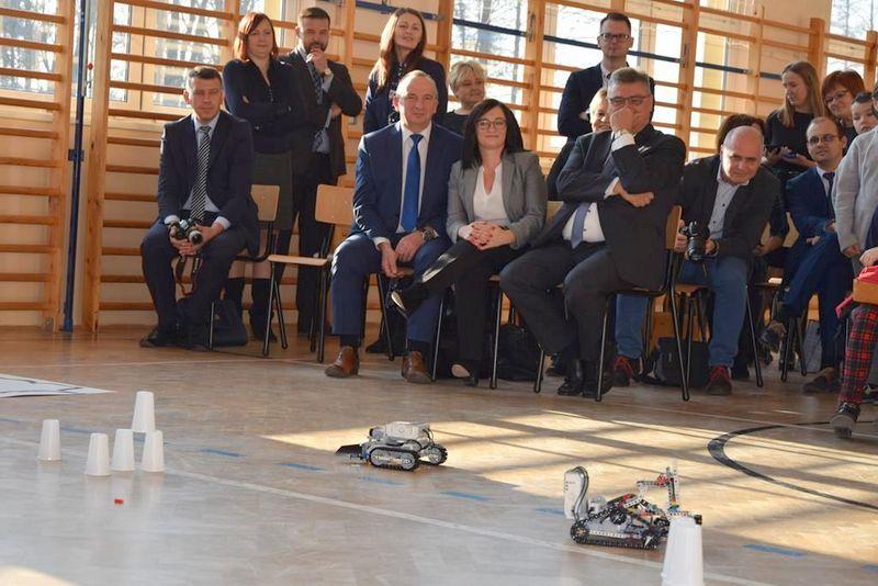 """DSC 0101 Copy """"My też możemy programować – zajęcia z robotyki dla mieszkańców subregionu tarnowskiego"""" – podsumowane projektu"""