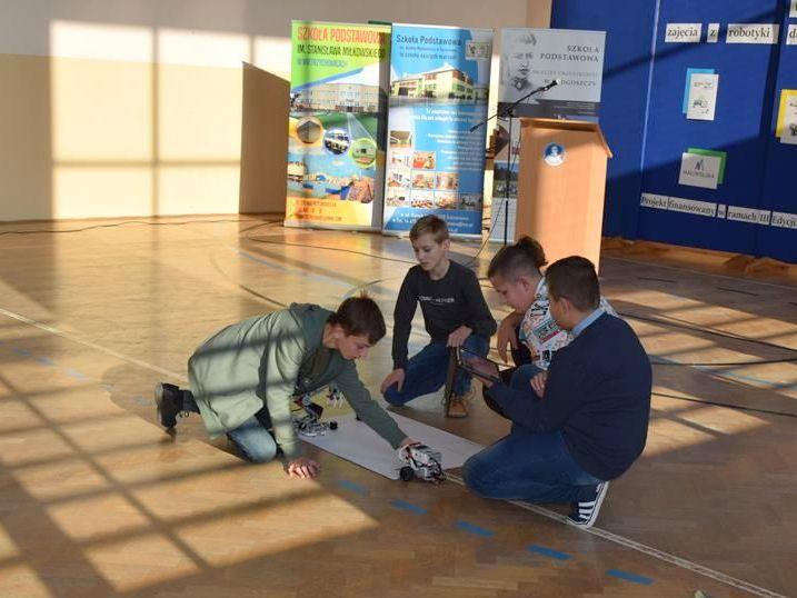 """DSC 0137 Copy """"My też możemy programować – zajęcia z robotyki dla mieszkańców subregionu tarnowskiego"""" – podsumowane projektu"""