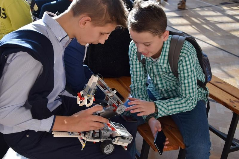 """DSC 0264 Copy """"My też możemy programować – zajęcia z robotyki dla mieszkańców subregionu tarnowskiego"""" – podsumowane projektu"""