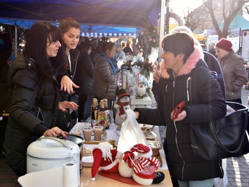 DSC 0284 Relacja z V Kiermaszu Bożonarodzeniowego w Dąbrowie Tarnowskiej