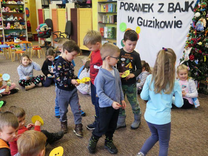 IMG 2236 Poranek z Bajką – w Miejskiej Bibliotece Publicznej jak w Guzikowie