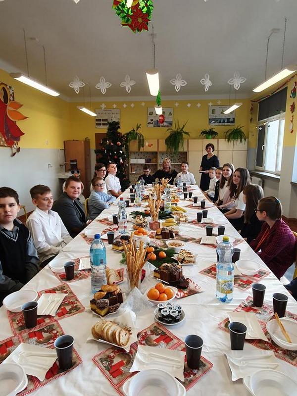 J09 Szkolne jasełka i spotkania opłatkowe w naszej gminie