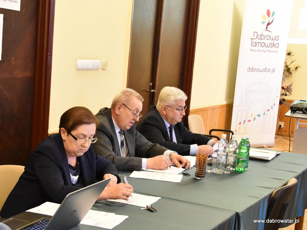 1 DSC 0669 Radni obradowali na XVII Sesji Rady Miejskiej w Dąbrowie Tarnowskiej
