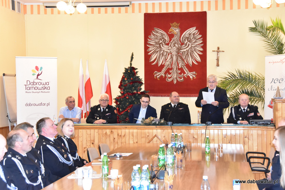 Przekazanie sprzętu dla OSP MS FS Gmina Dąbrowa Tarnowska 2020 9 Uroczyste przekazanie sprzętu jednostkom OSP z Gminy Dąbrowa Tarnowska w ramach Funduszu Sprawiedliwości Ministerstwa Sprawiedliwości