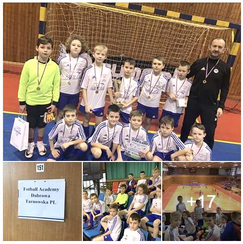FADT Zwycięstwo turnieju w Bardejowi foto facebook Dąbrowska Football Academy wygrała międzynarodowy turniej w Bardejowie na Słowacji!