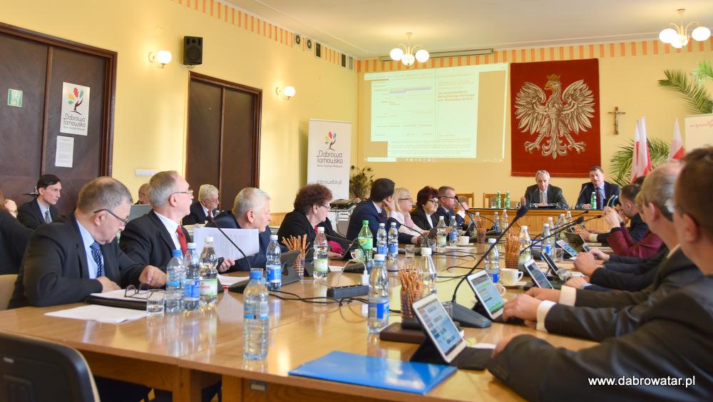 XVIII SRMDT 31 01 2020 2 XVIII sesja Rady Miejskiej w Dąbrowie Tarnowskiej z 31 stycznia 2020 r.