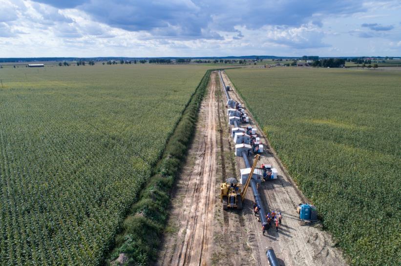 pole rury GAS SYSTEM 2 Budowa strategicznego gazociągu przesyłowego GAZ SYSTEM na terenie gminy Dąbrowa Tarnowska