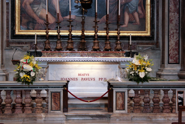 Grob JP 2 15. rocznica śmierci Św. Jana Pawła II