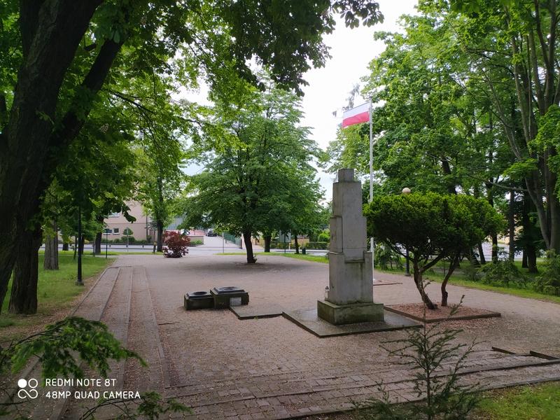 """IMG 20200529 091937 Planowana renowacja """"Placu Walczących o Niepodległą Polskę"""""""