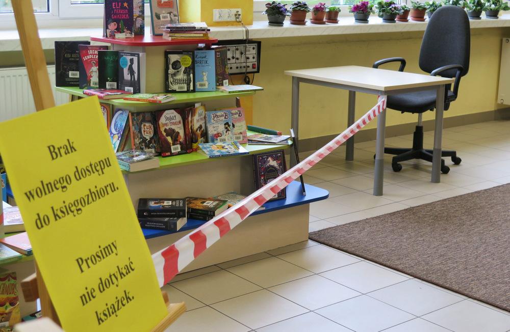 1 czyt Wznowienie działalności czytelni naukowych w dąbrowskiej bibliotece