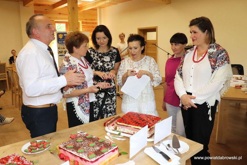 IMG 7431 777c1a1d Stowarzyszenie Kobiet Nieczajna zwycięzcą powiatowego konkursu na najsmaczniejsze ciasto, Stowarzyszenia Kobiet Wsi Smęgorzów z wyróżnieniem