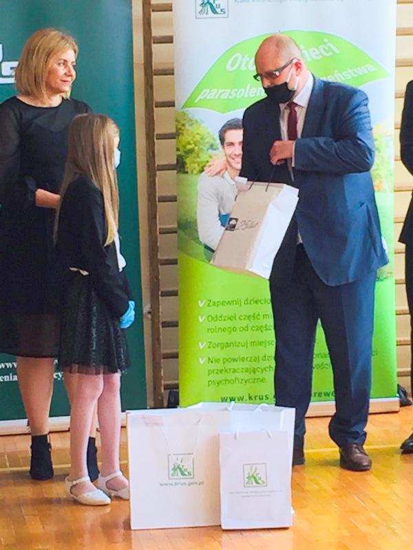 Konkurs KRUS LCh 2020 10 Finał etapu powiatowego X edycji Ogólnopolskiego Konkursu Plastycznego dla dzieci organizowanego przez Kasę Rolniczego Ubezpieczenia Społecznego