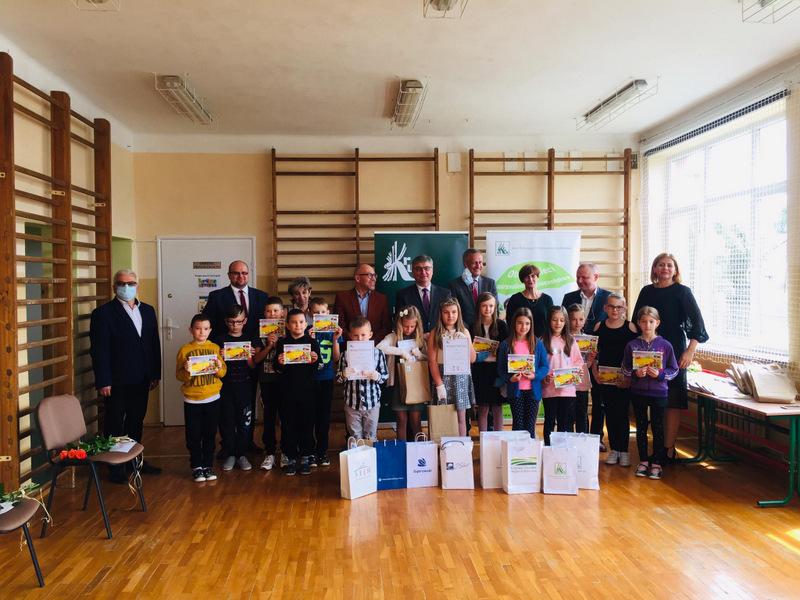 Konkurs KRUS LCh 2020 12 Finał etapu powiatowego X edycji Ogólnopolskiego Konkursu Plastycznego dla dzieci organizowanego przez Kasę Rolniczego Ubezpieczenia Społecznego