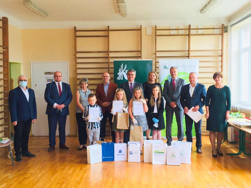 Konkurs KRUS LCh 2020 16 Finał etapu powiatowego X edycji Ogólnopolskiego Konkursu Plastycznego dla dzieci organizowanego przez Kasę Rolniczego Ubezpieczenia Społecznego