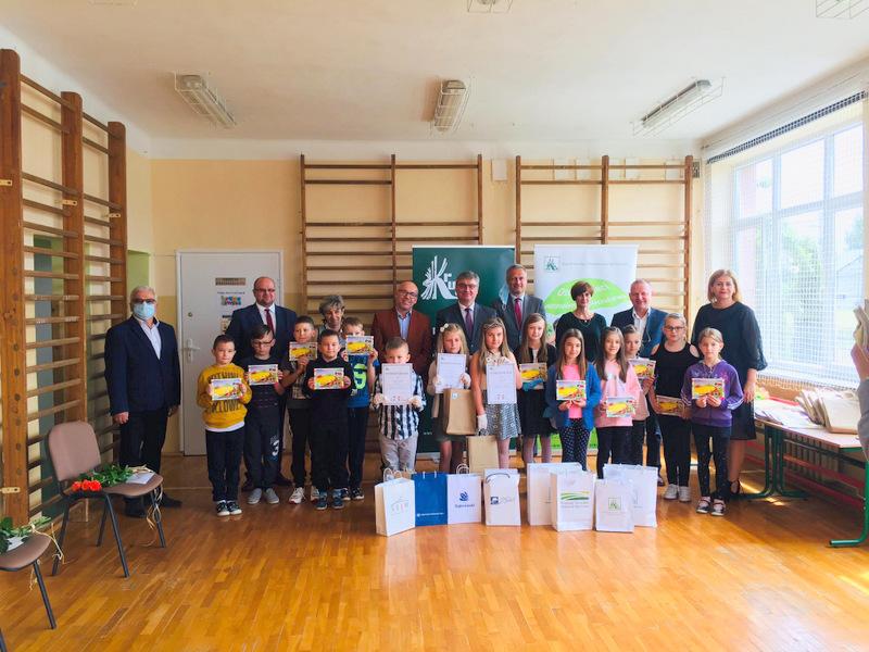 Konkurs KRUS LCh 2020 19 Finał etapu powiatowego X edycji Ogólnopolskiego Konkursu Plastycznego dla dzieci organizowanego przez Kasę Rolniczego Ubezpieczenia Społecznego