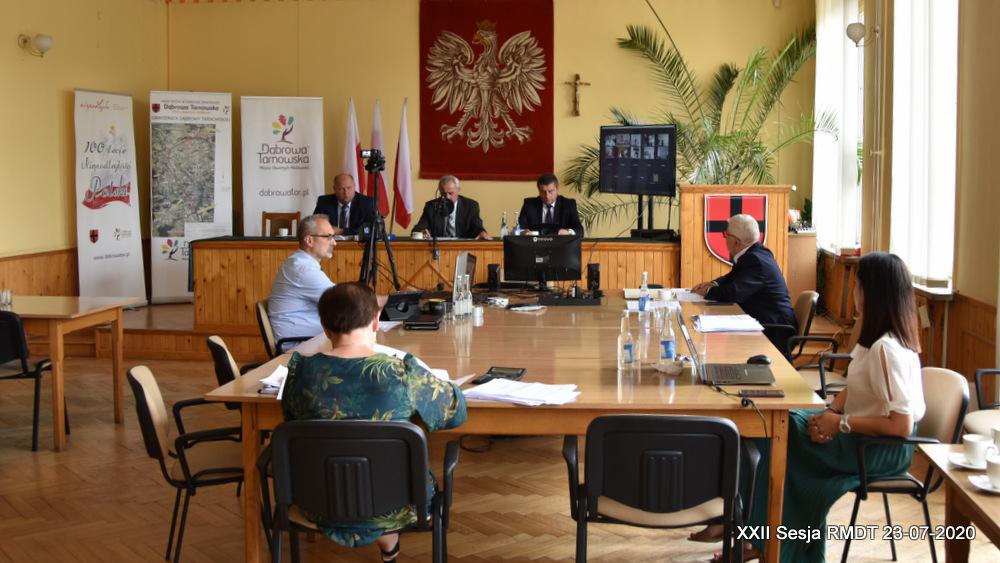 XXII Sesja RMDT 23 07 2020 1 Burmistrz Dąbrowy Tarnowskiej szósty raz z wotum zaufania i absolutorium