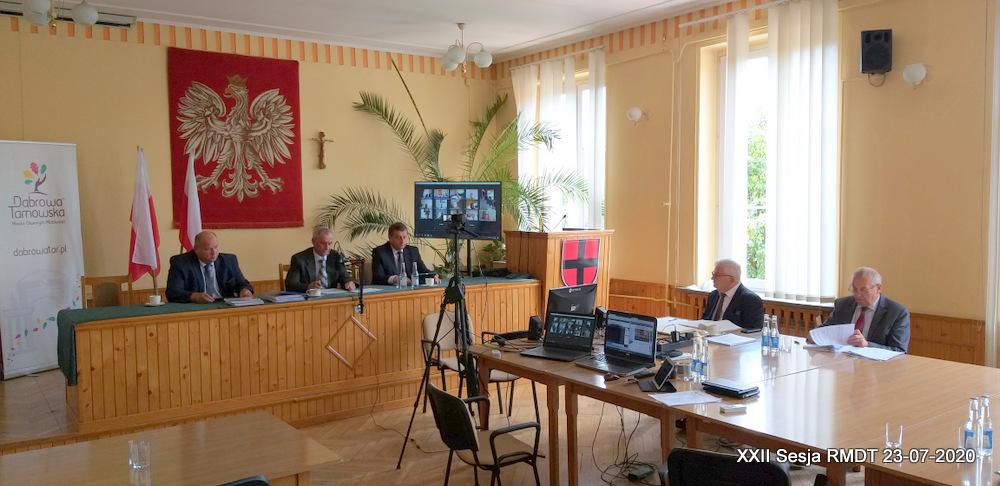 XXII Sesja RMDT 23 07 2020 6 Burmistrz Dąbrowy Tarnowskiej szósty raz z wotum zaufania i absolutorium