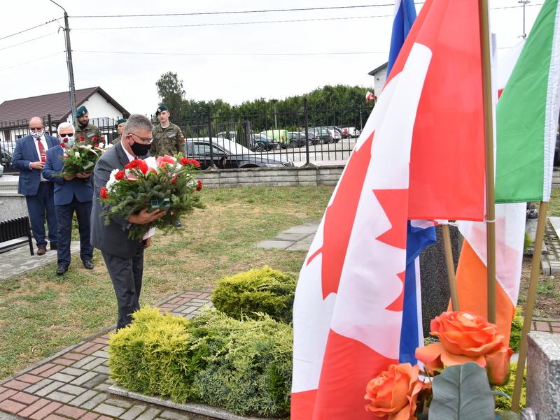 DSC 0380 Dąbrowa Tarnowska uczciła pamięć lotników Halifaxa