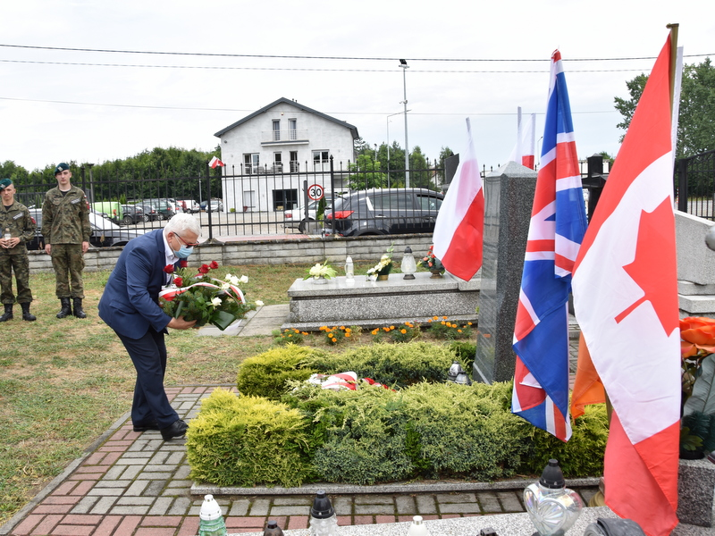 DSC 0389 Dąbrowa Tarnowska uczciła pamięć lotników Halifaxa