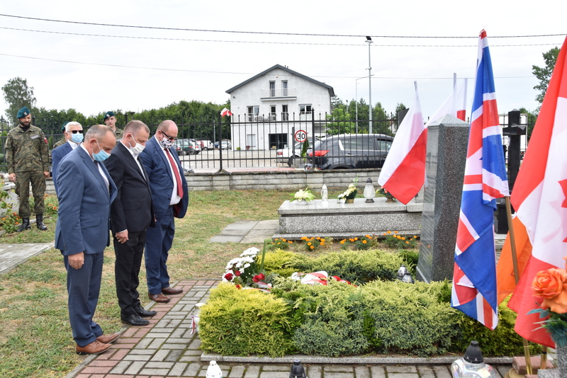 DSC 0398 Dąbrowa Tarnowska uczciła pamięć lotników Halifaxa