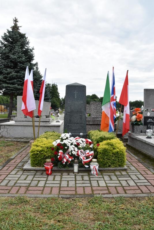 DSC 0409 Dąbrowa Tarnowska uczciła pamięć lotników Halifaxa