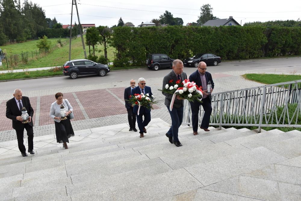 17września2020 2 W 81. rocznicę agresji Sowieckiej Rosji na Polskę, samorządowcy oddali hołd pomordowanym na Wschodzie