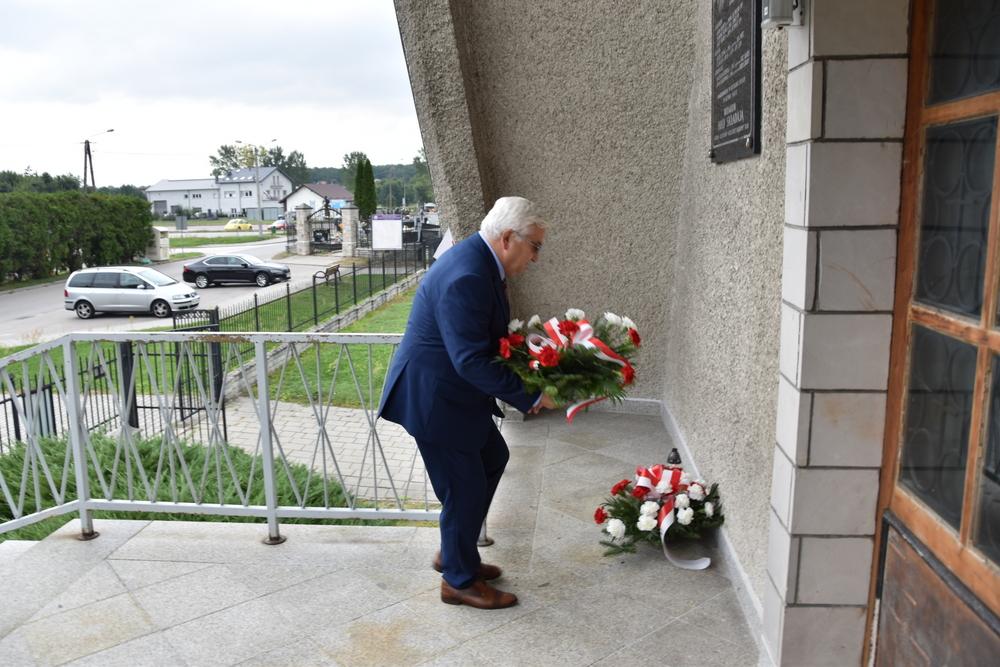 17września2020 5 W 81. rocznicę agresji Sowieckiej Rosji na Polskę, samorządowcy oddali hołd pomordowanym na Wschodzie
