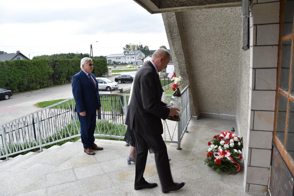 17września2020 6 W 81. rocznicę agresji Sowieckiej Rosji na Polskę, samorządowcy oddali hołd pomordowanym na Wschodzie
