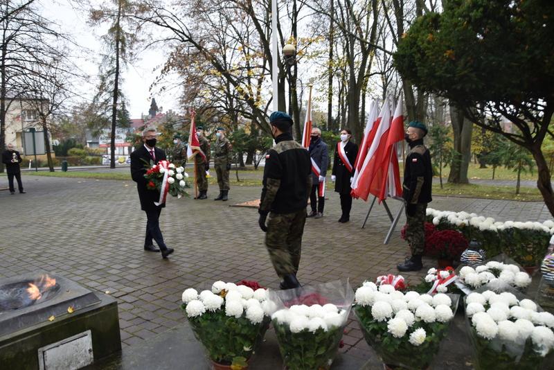 DSC 0254 Dąbrowskie obchody 102. rocznicy odzyskania niepodległości przez Polskę