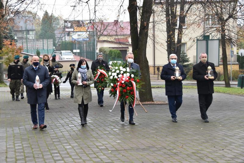 DSC 0260 Dąbrowskie obchody 102. rocznicy odzyskania niepodległości przez Polskę