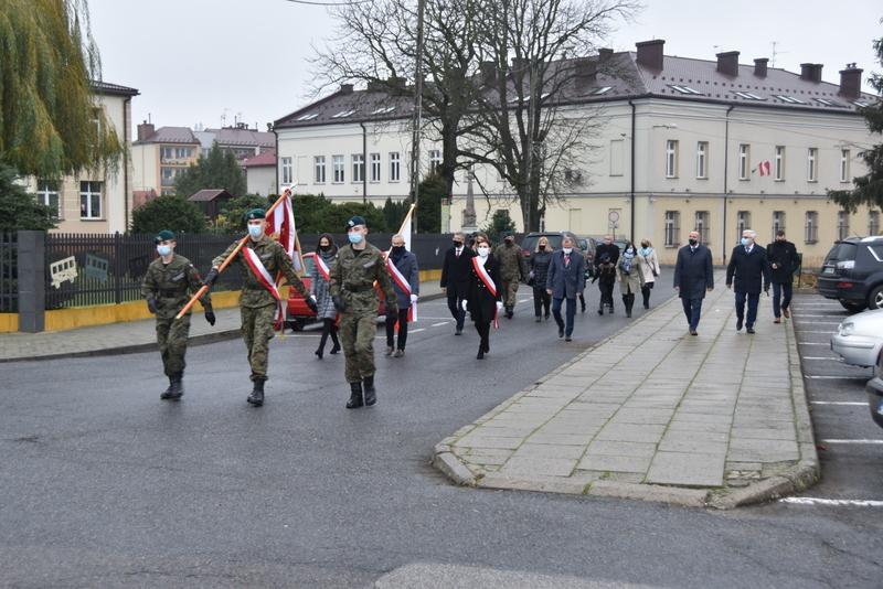 DSC 0296 Dąbrowskie obchody 102. rocznicy odzyskania niepodległości przez Polskę