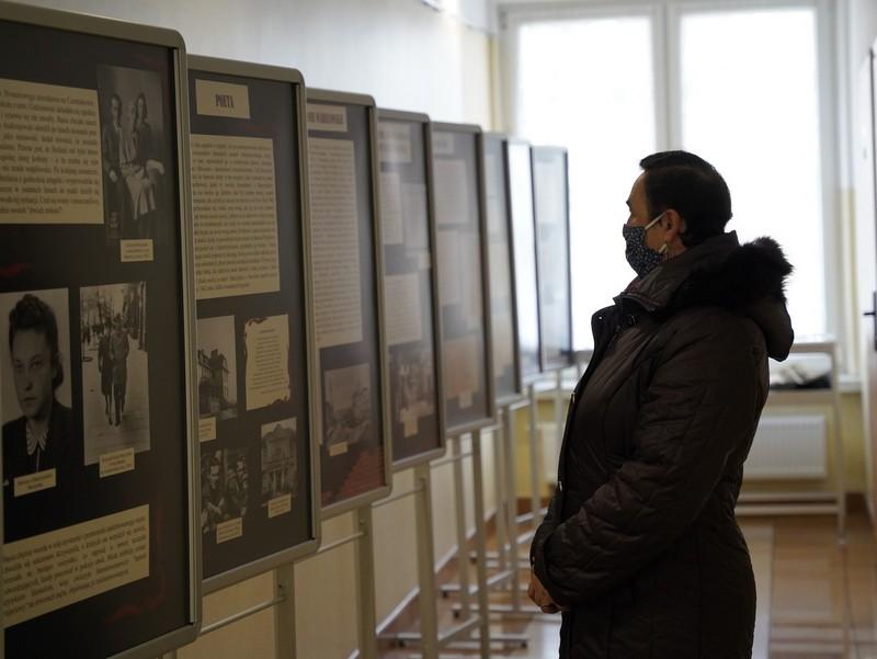 1  DSC0328 Wystawa w 100. rocznicę urodzin Krzysztofa Kamila Baczyńskiego