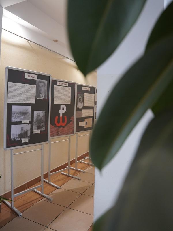 1  DSC0355 Wystawa w 100. rocznicę urodzin Krzysztofa Kamila Baczyńskiego