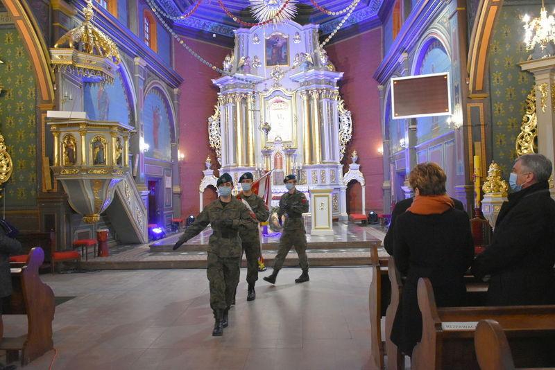 1 Koncert 03 Wspaniały koncert pieśni patriotycznych poświęcony pamięci Żołnierzy Niezłomnych